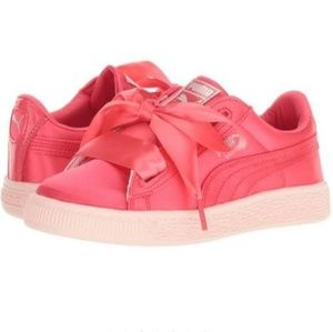 PUMA Girls Basket Heart Tween Sneaker